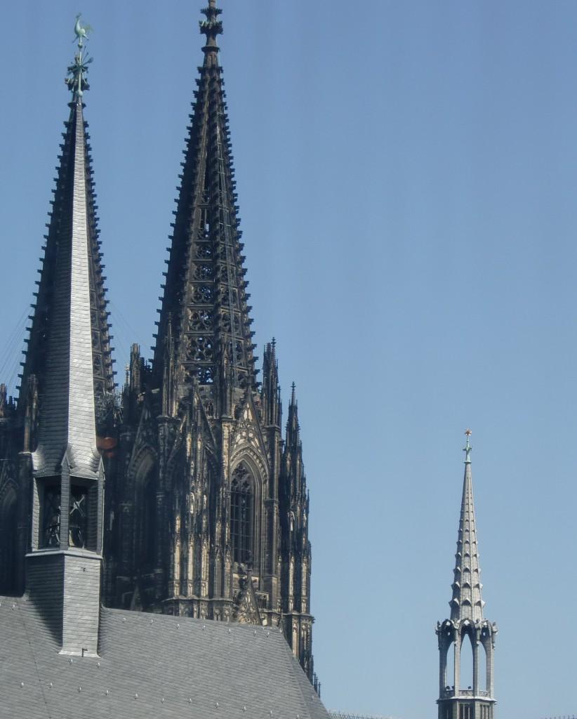 Antoniterkirche_und_Dom_Koeln